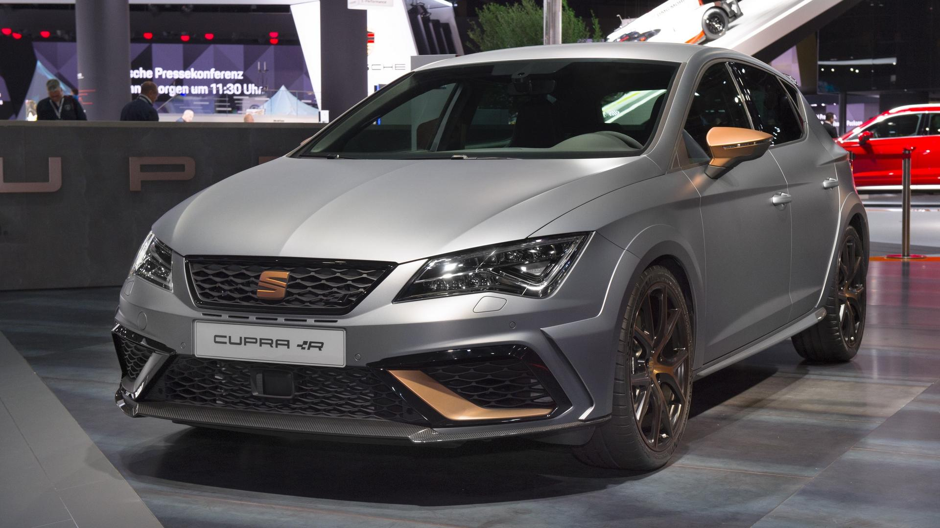 la seat leon cupra r en images au salon de francfort. Black Bedroom Furniture Sets. Home Design Ideas