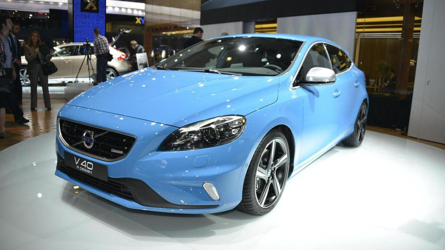 Volvo announces pricing for V40 R-Design and Cross Country (UK)