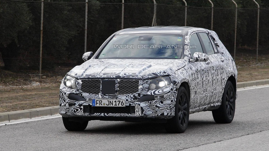 Next-gen Mercedes-Benz GLK spied showing larger proportions