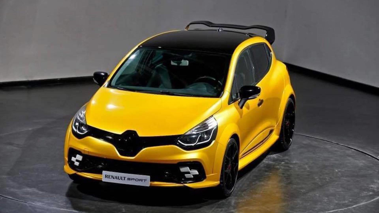 renault shows off hardcore clio rs. Black Bedroom Furniture Sets. Home Design Ideas