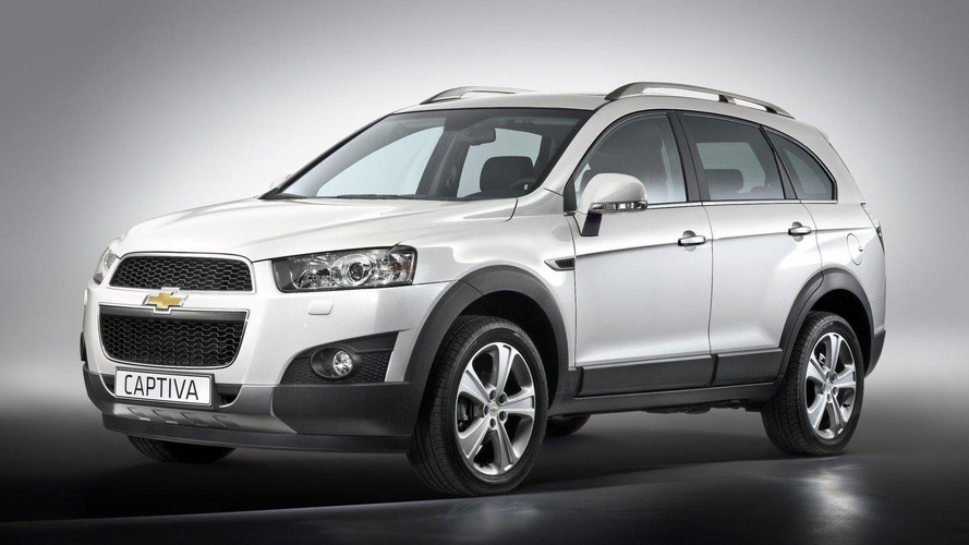 2011 Chevrolet Captiva facelift revealed - debut in Paris