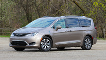 2017 Chrysler Pacifica Hybrid: Review