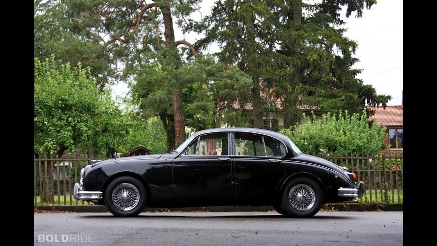 Jaguar Mark II by Vicarage