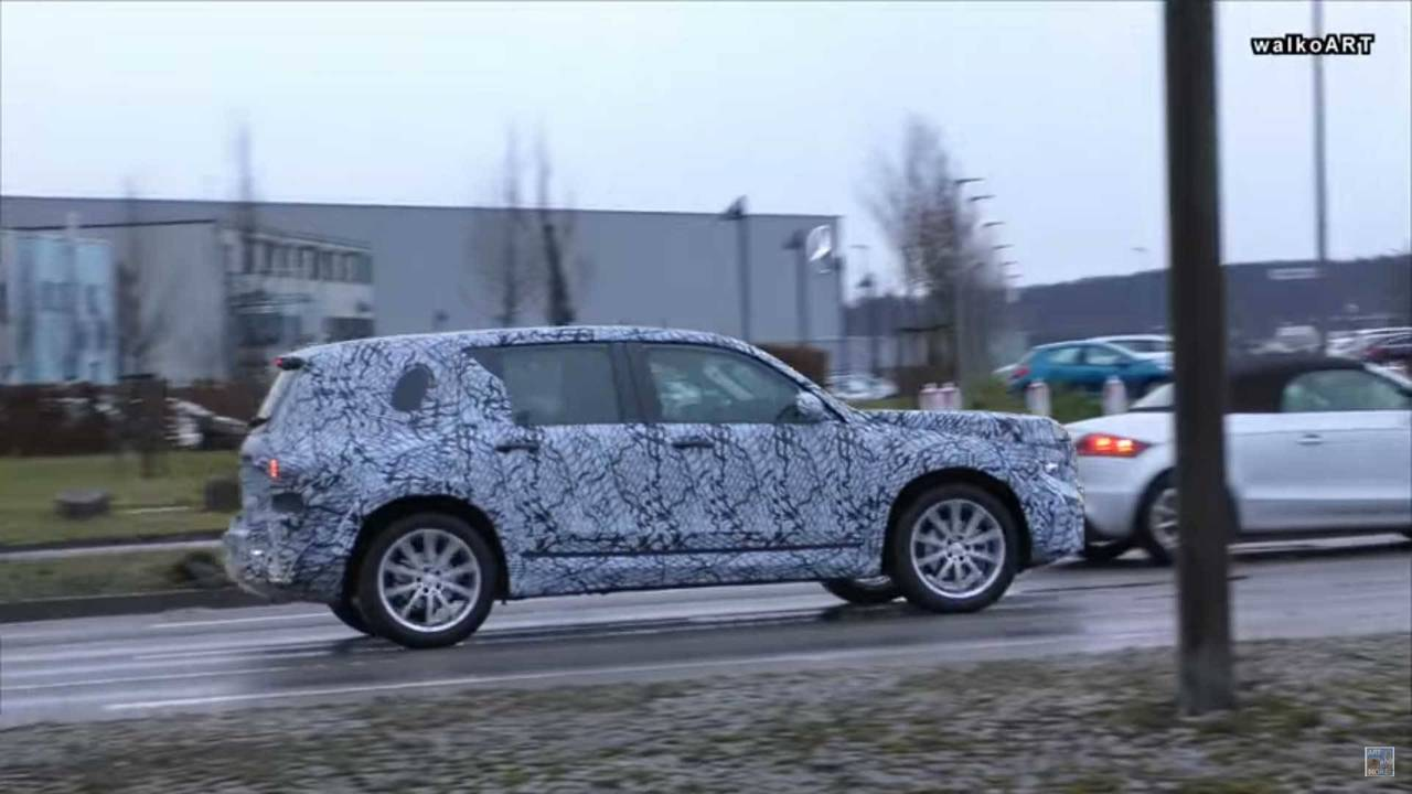 Mercedes-Benz GLB-Class Spy Shot