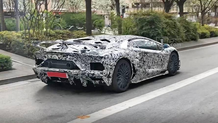 Aventador SVJ'nin yeni casus fotoğrafları ortaya çıktı