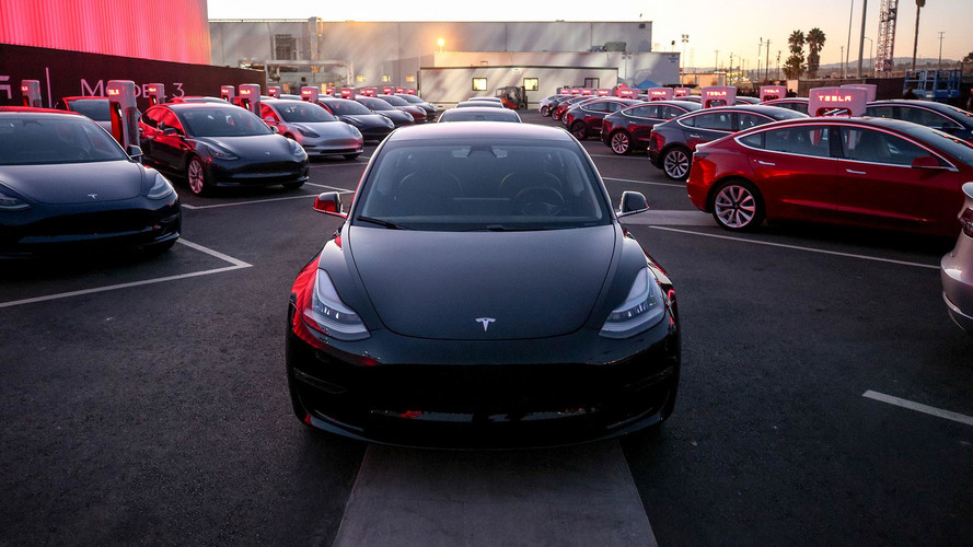 Tesla Model 3 üretimini artırmak için otomasyon sistemi bekliyor