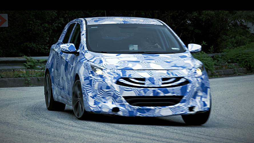 Hyundai i30 N yol tutuş becerilerini sergiliyor