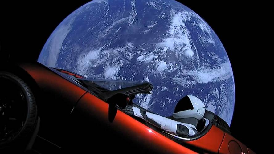 Hasta el infinito... ¡y más allá! Descubre la aventura espacial de Tesla