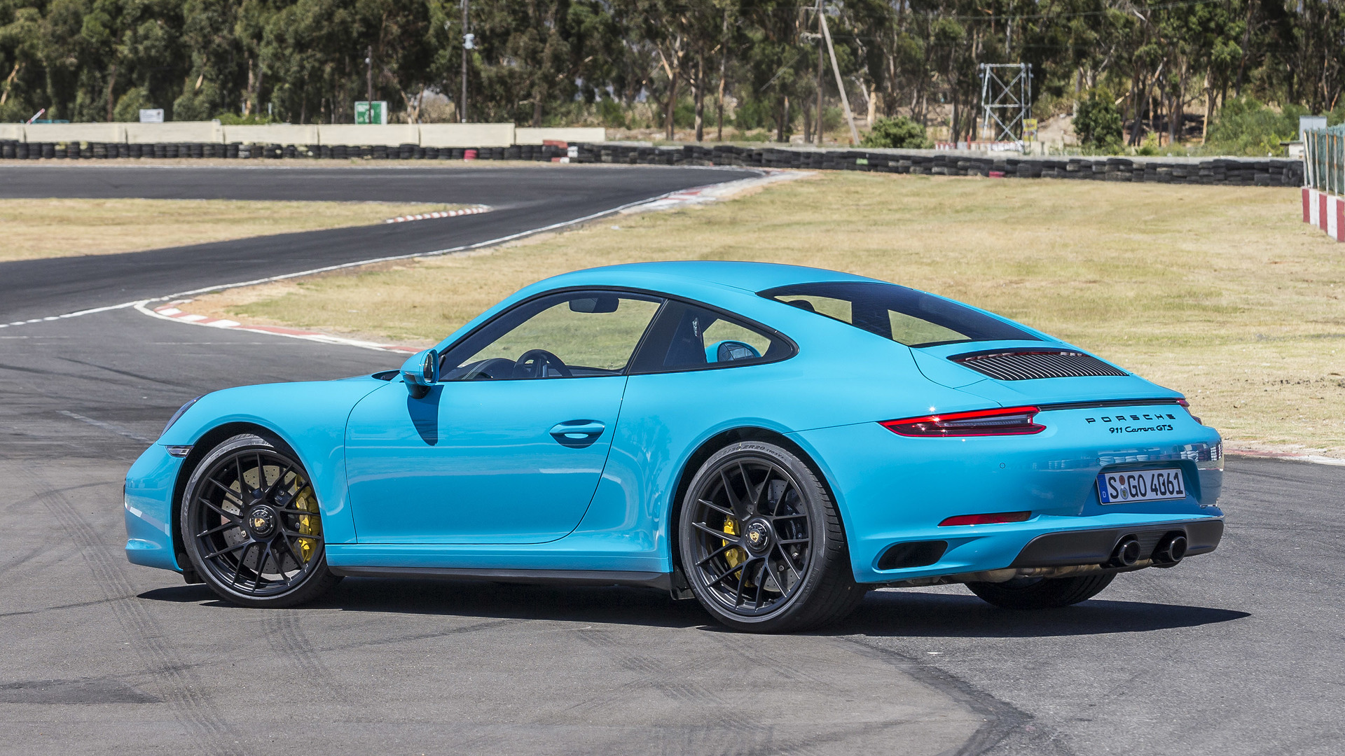 2017 porsche 911 carrera gts first drive falling for the middle child