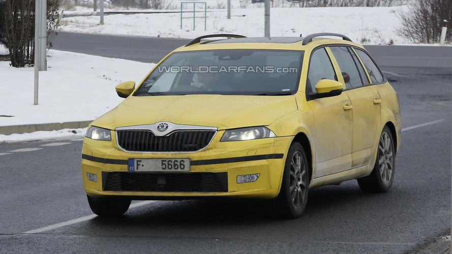 2014 Skoda Octavia Combi RS spied for the first time