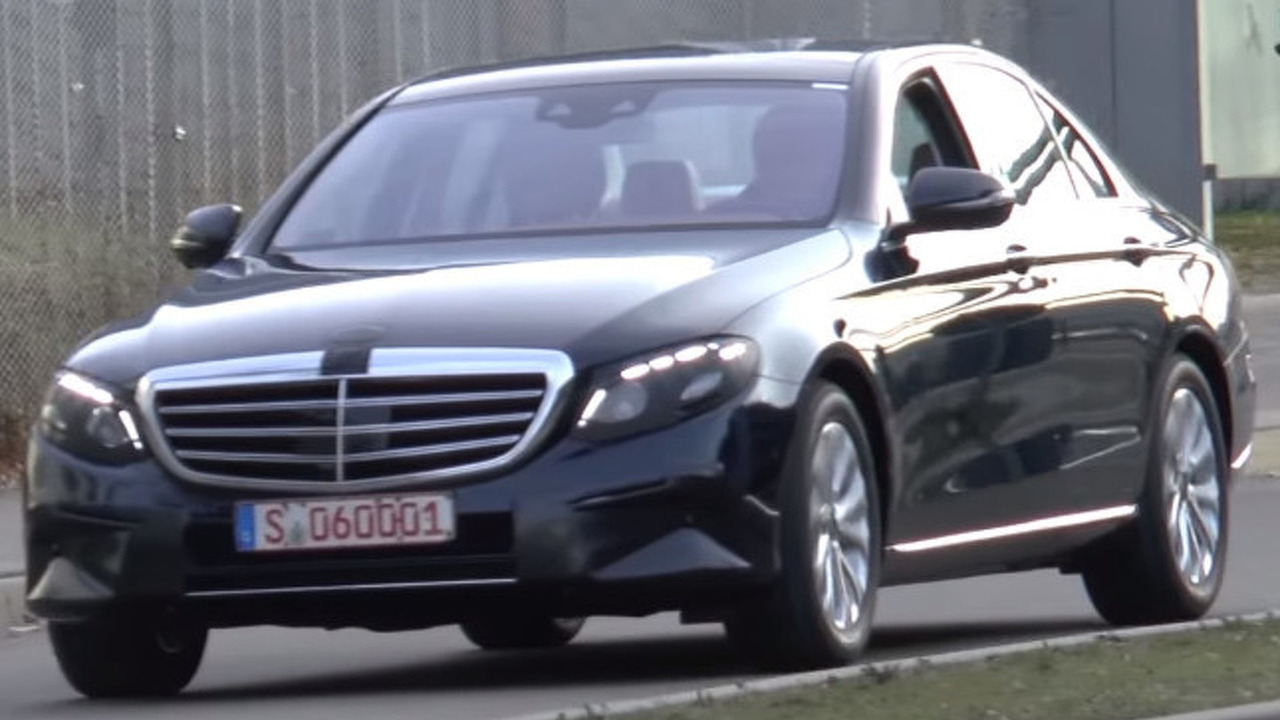 2016 Mercedes-Benz E-Class spy video