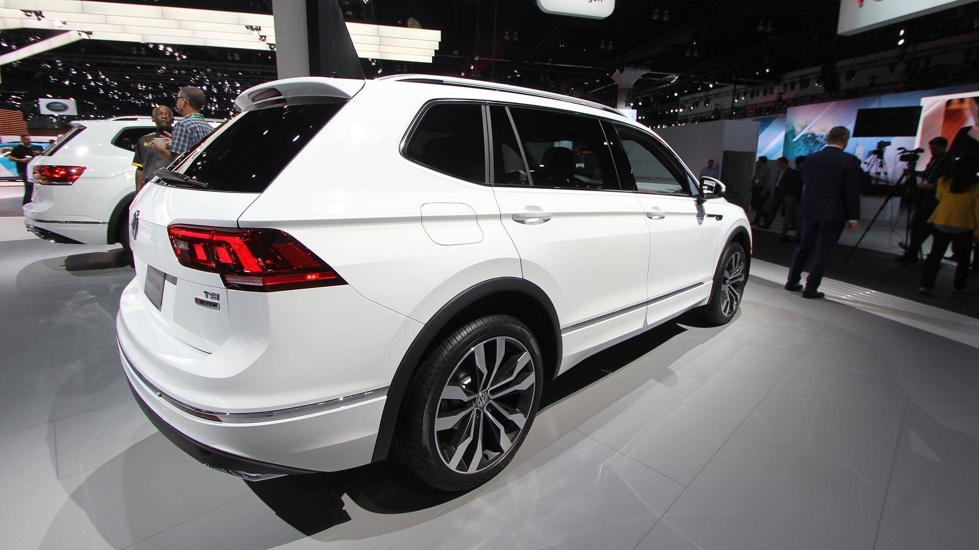 iaa 2015 volkswagen tiguan mqb european version introduced. Black Bedroom Furniture Sets. Home Design Ideas