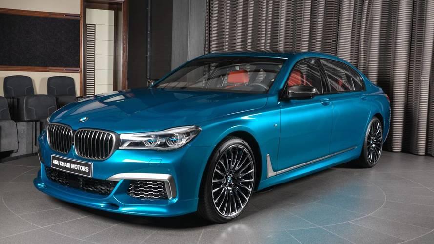 BMW Abu Dhabi'nin son oyuncağı M760Li Long Beach Blue