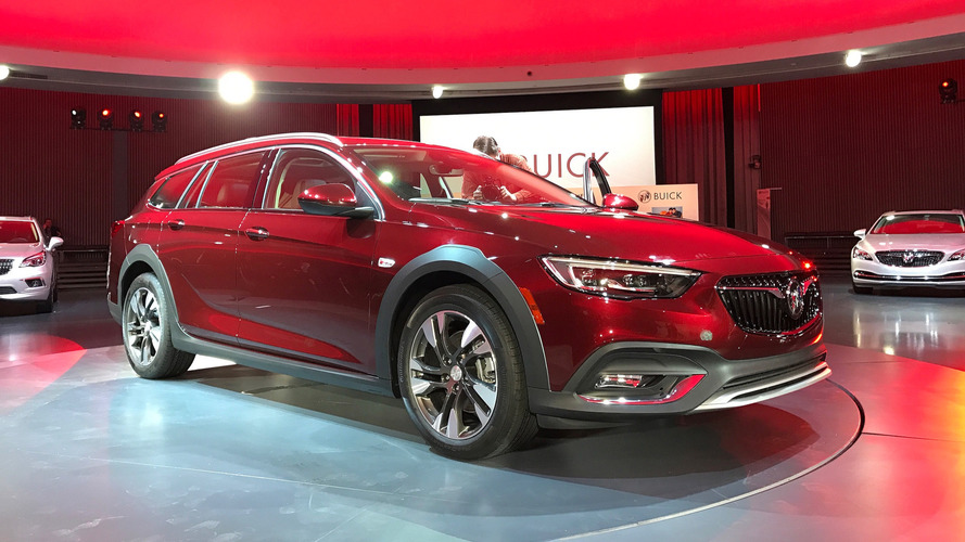 2018 Buick Regal Sportback ve TourX geldi