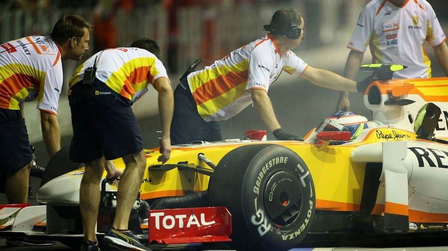 Irony in Singapore as Grosjean copies Piquet crash