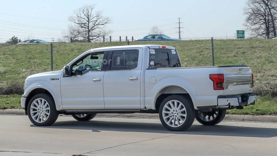 2017 Ford F 150 Xlt Configurations >> 2019 Ford F-150 Limited Spied With New Rear Bumper, Dual Exhaust