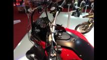 Salão Duas Rodas: BMW lança F800 GS Adventure e mostra maxiscooter C600 Sport, que chega em 2014