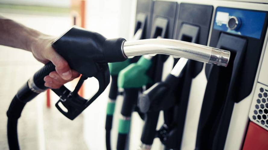 Petrol hits three-year high off rising oil price