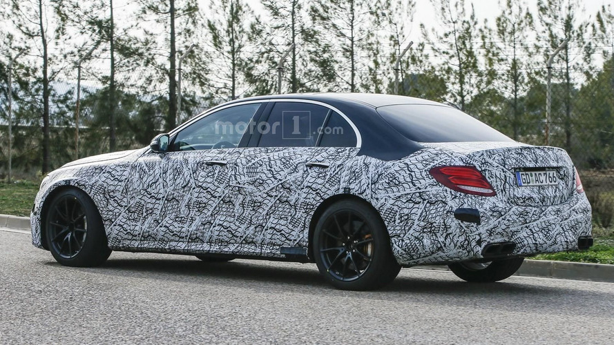 2017 Mercedes-AMG E63 returns in new spy photos