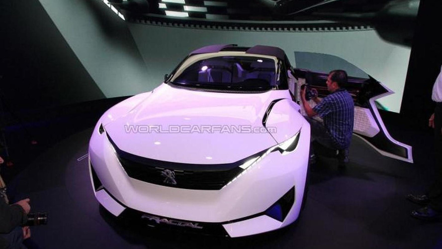 Peugeot Fractal concept attracts Frankfurt crowd with radical look