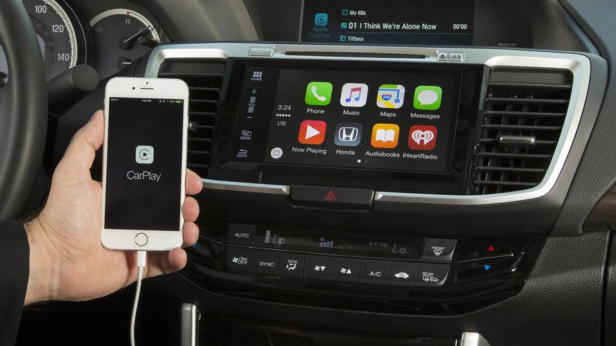 Otomobil firmaları, Apple Carplay ve Android Auto'ya karşı güçlerini birleştirecek
