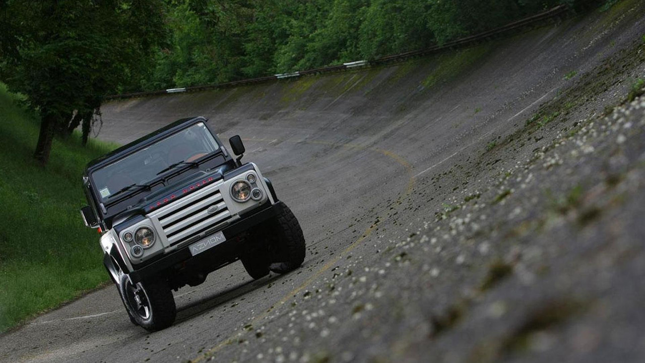 Land Rover Defender by Aznom, 1280, 11.06.2010