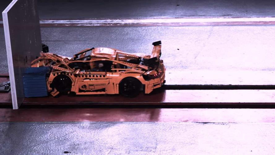 LEGO Porsche 911'in ağır çekim çarpışma testi