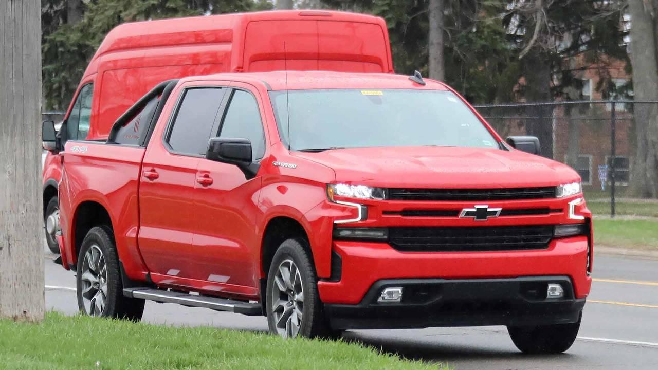 Chevy Diesel Trucks For Sale >> 2019 Chevrolet Silverado RST Looks Sporty In Spy Photos