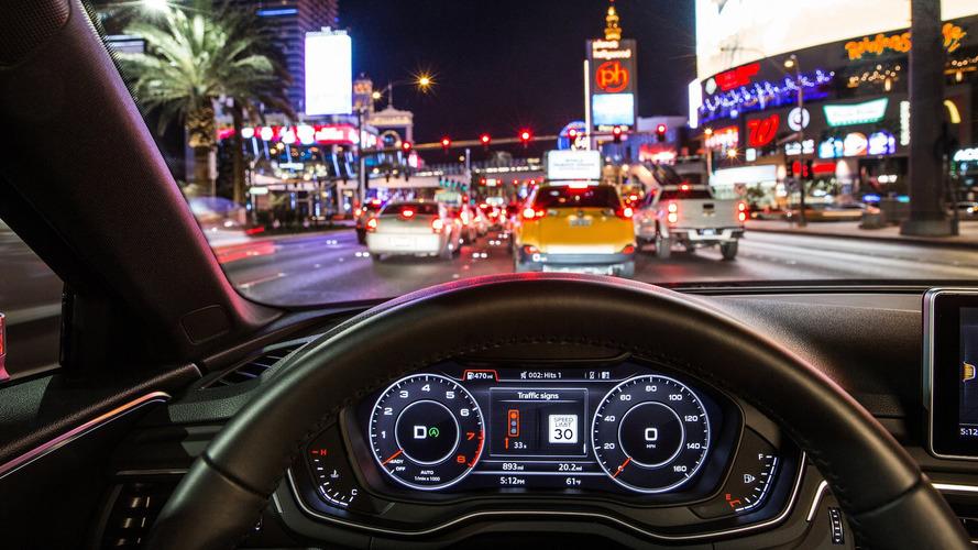 Audi apresenta tecnologia que conecta carro e semáforos