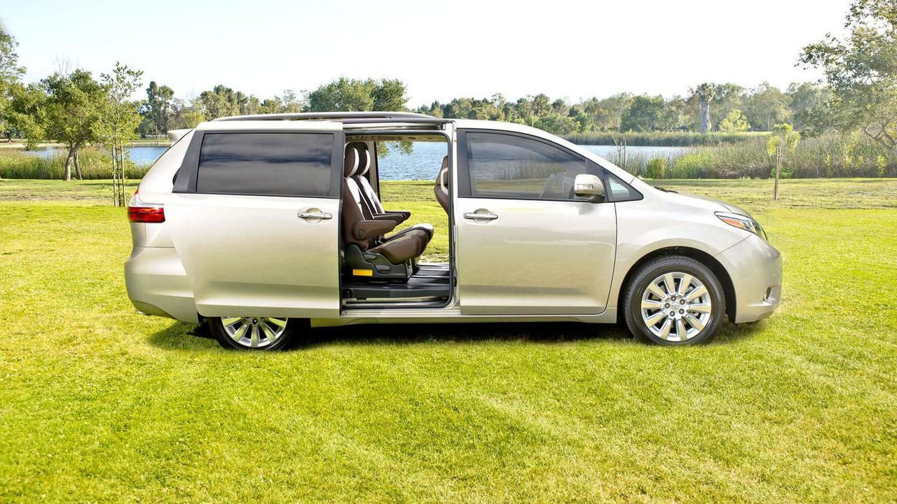 toyota sienna recalled for side doors than can slide open. Black Bedroom Furniture Sets. Home Design Ideas