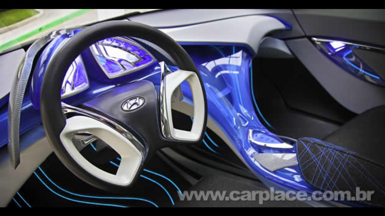 """Hyundai apresenta o Nuvis em NY: Protótipo tem visual futurista e portas """"asa de gaivota"""""""