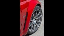 Oficial: Mercedes-Benz C63 AMG Coupé Black Series 2012 chega com motor V8 de 517cv