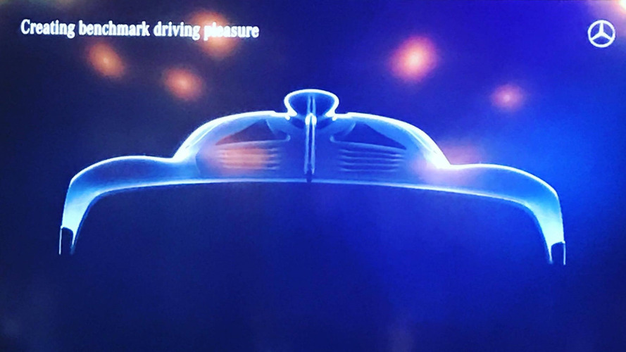 Mercedes-AMG'nin hiper otomobili arka bölümünü sergiledi