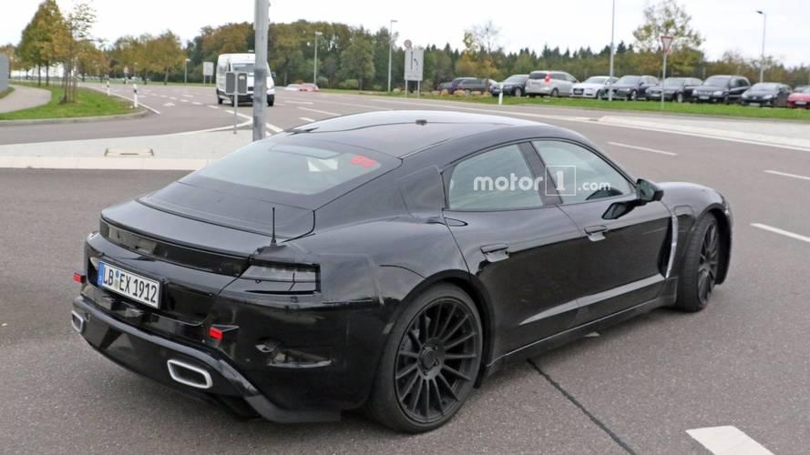 Bentley, Porsche Mission E tarzı bir EV sedan planlıyor