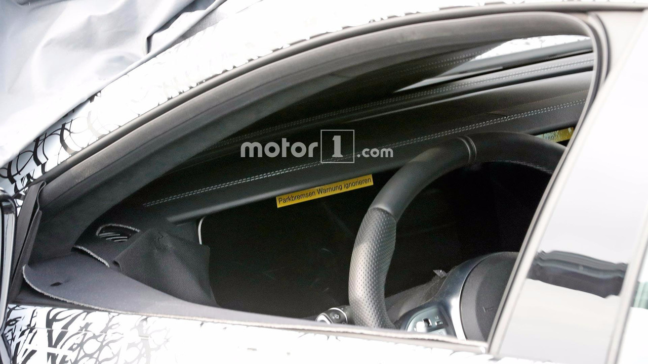 Mercedes-AMG GT4 Sedan casus foto