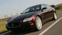 Bordeaux coloured Maserati Quattroporte Automatic