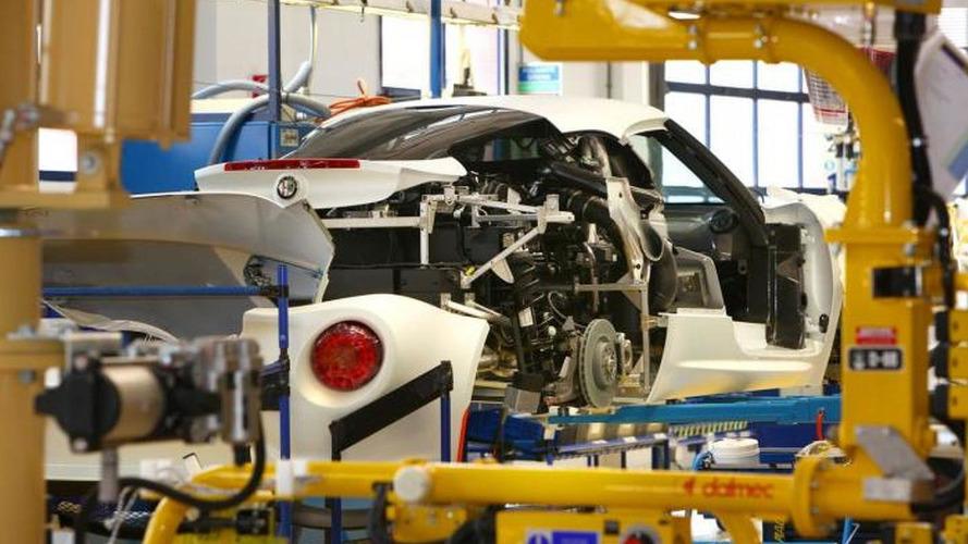 Alfa Romeo 4C hits the track [video]