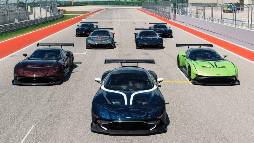 Aston Martin Vulcan modellerini pistte görelim