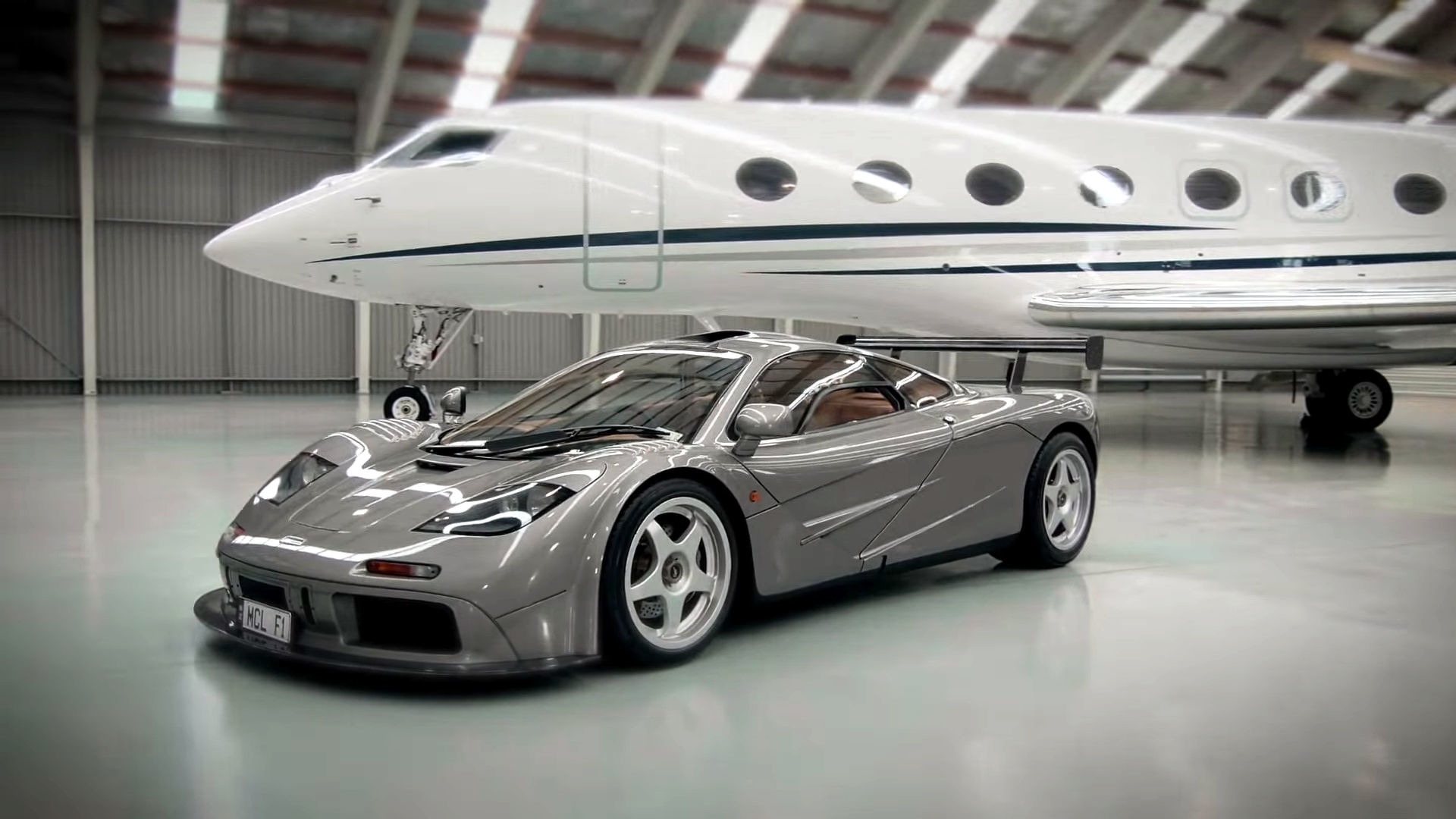 Learn About Ultra Rare Mclaren F1 Hdf With Racing Specs