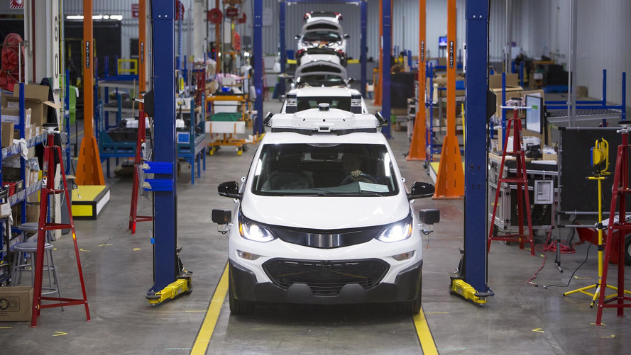 Chevrolet produz frota de 130 unidades do Bolt elétrico autônomo