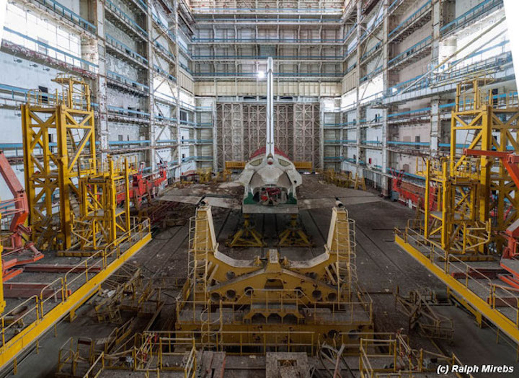 This Abandoned Soviet Space Center Looks Like Something Out of a Movie