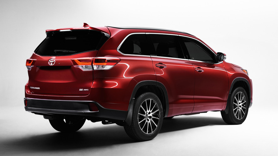 2017 Toyota Highlander heading to New York with new V6 & 8AT