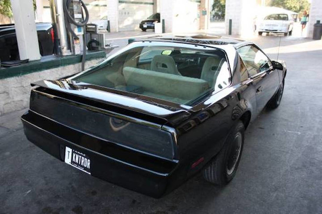 KITT Replica Will Make You Look as Cool as The Hoff: For Sale