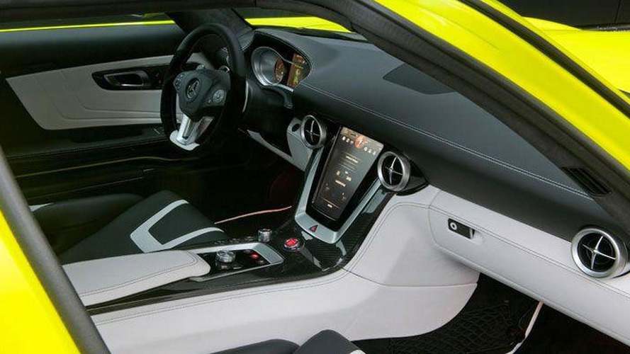 David Coulthard drives Mercedes SLS AMG E-Cell