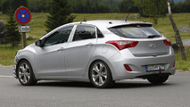 Hyundai i30 facelift spy photo