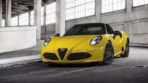 Alfa Romeo 4C Spider drops its top in Detroit