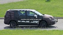 New 2010 Chevrolet MPV Spy Photos