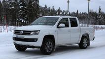 2014 Volkswagen Amarok spied with redesigned headlights