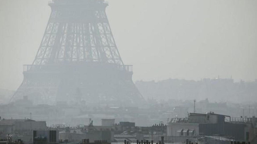 Paris car ban ends after one day and 3,859 fined drivers, pollution level drops below safe limit