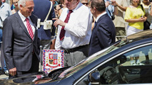 Skoda Superb presidential limo 26.6.2013
